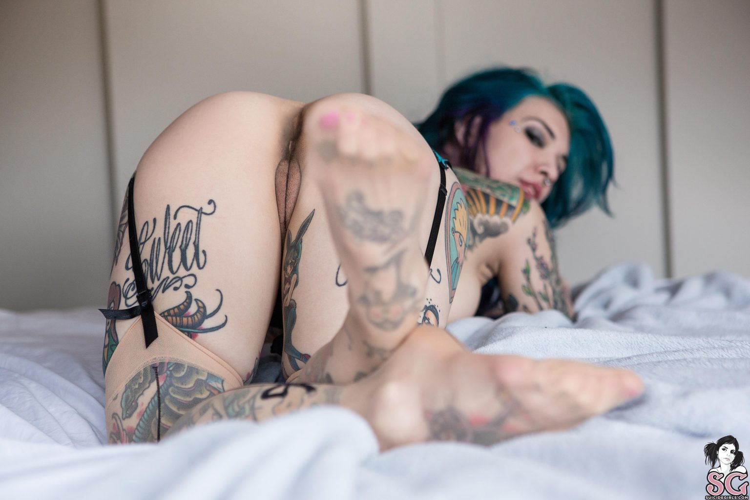 neptuneexplainsitall shows of beautiful ass up as neptune suicide