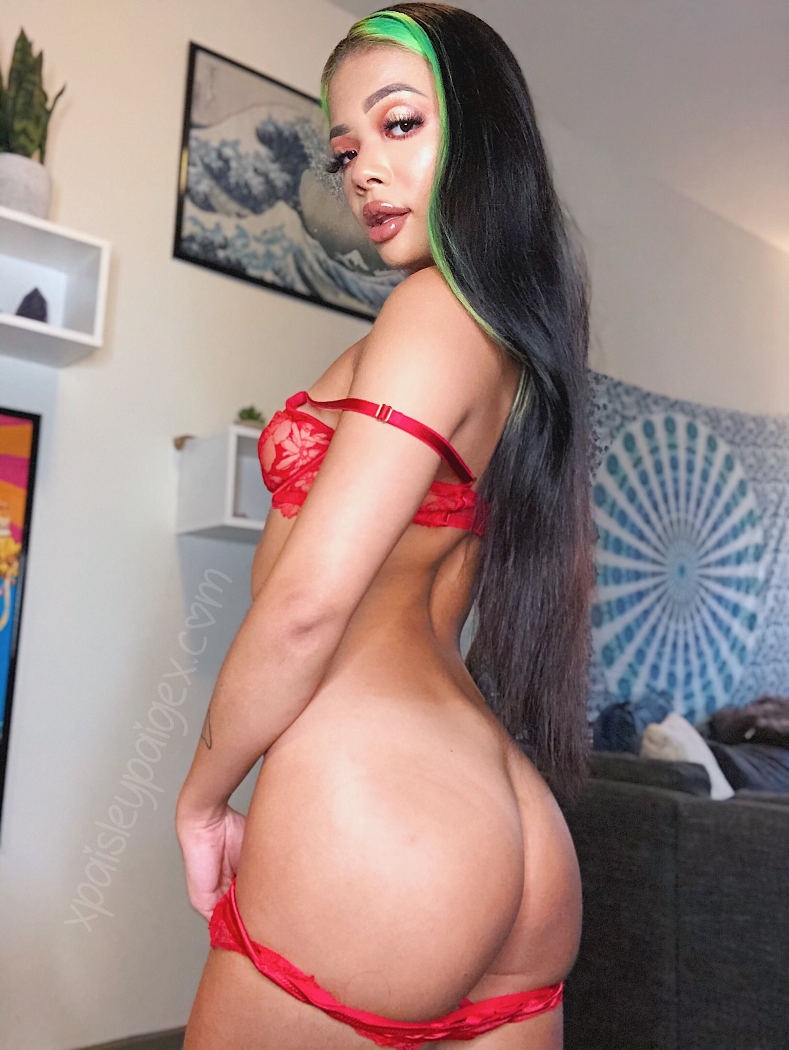paisley paige, shows off nice booty, booty, asian woman, asian booty, ass, cute asian babe